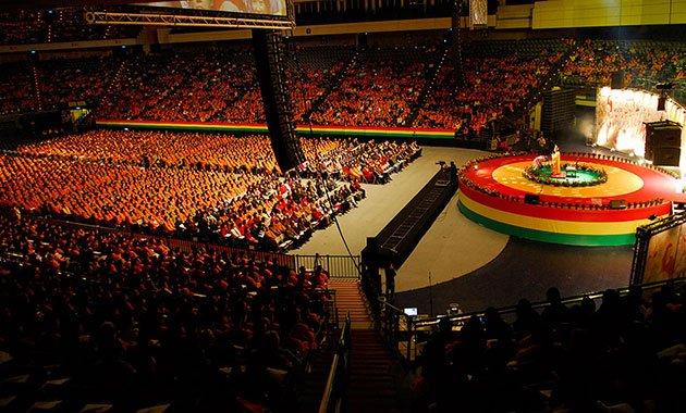 2012年台北小巨蛋「地球佛國 人人作佛」大法會,悟覺妙天禪師揭示地球佛國、人人作佛願景