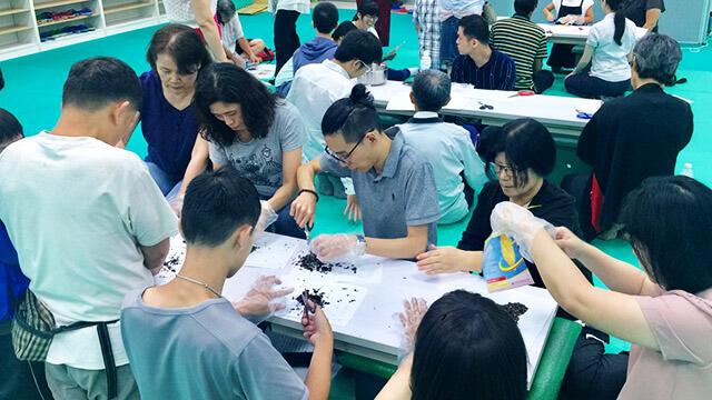新竹東區禪會館:紫雲膏製作
