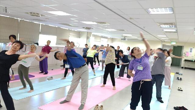 永和禪修會館:拉伸瑜珈
