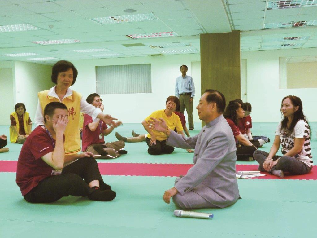 2013年‧成立臺北市特殊教育關懷協會,致力於幫助特殊孩童及有精神困擾的成人,協助他們身心正向發展。