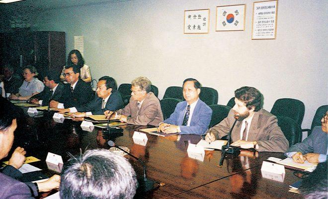 1994年‧悟覺妙天禪師會同俄國議員,赴韓國參加宗教文化交流